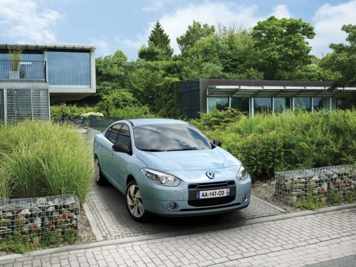 renault fluence ze voiture electrique. Black Bedroom Furniture Sets. Home Design Ideas