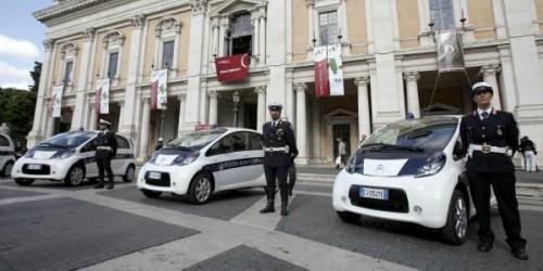 rome voiture electrique police