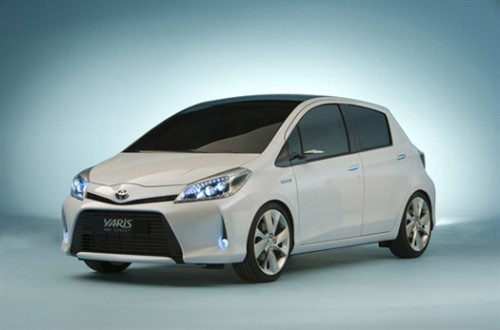toyota yaris hybride voiture electrique. Black Bedroom Furniture Sets. Home Design Ideas