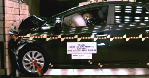 Le crash test de la Toyota Prius Plug-in