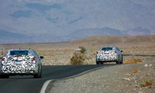 Deux Cadillac ELR en test
