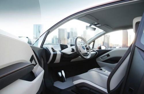 La bmw i3 concept coup pr sent e la voiture electrique for Interieur i3