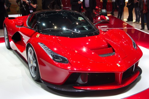 supercar hybride laferrari un joyau innaccessible voiture electrique. Black Bedroom Furniture Sets. Home Design Ideas