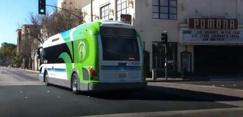 La recharge de ce bus ne prend que 10 minutes, pour une autonomie de 30 km