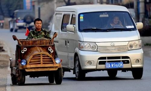 une voiture lectrique en bois en chine voiture electrique. Black Bedroom Furniture Sets. Home Design Ideas
