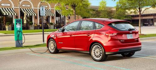 Ford mise sur les Voitures électriques (Focus)